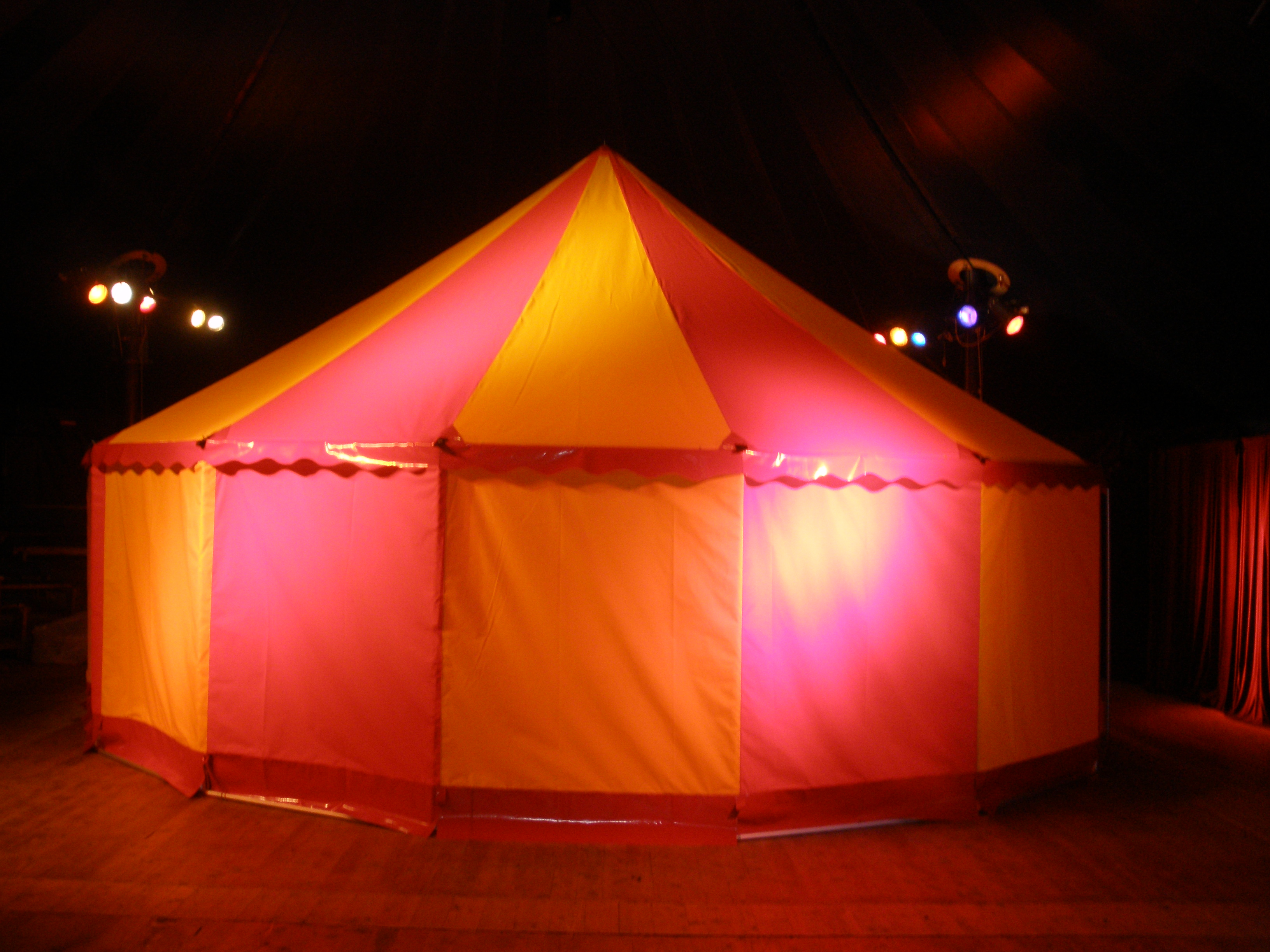 8m-zirkuszelt-Leichtbau-circusevents-koeln-1