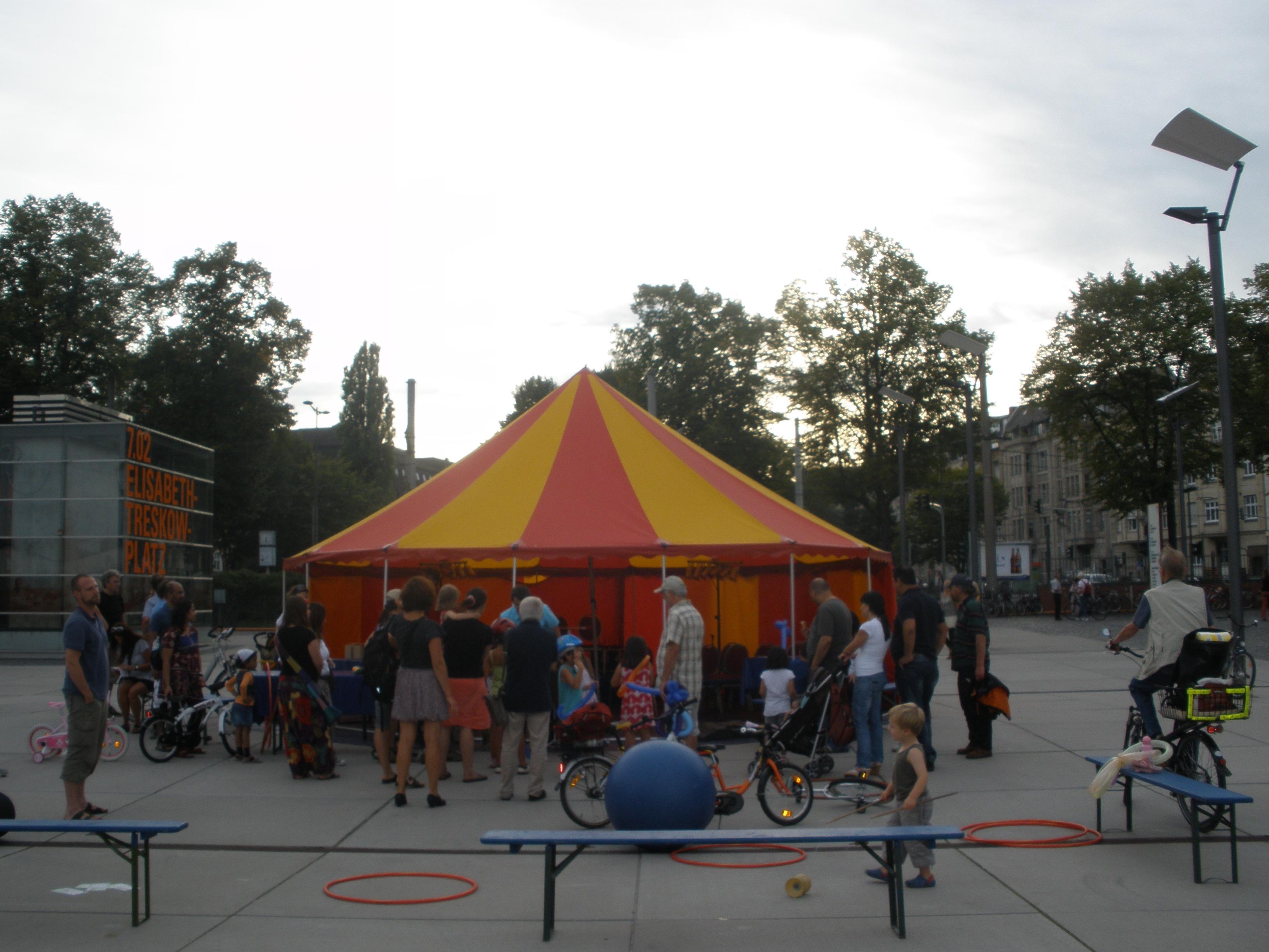 8m-zirkuszelt-Leichtbau-circusevents-koeln-2