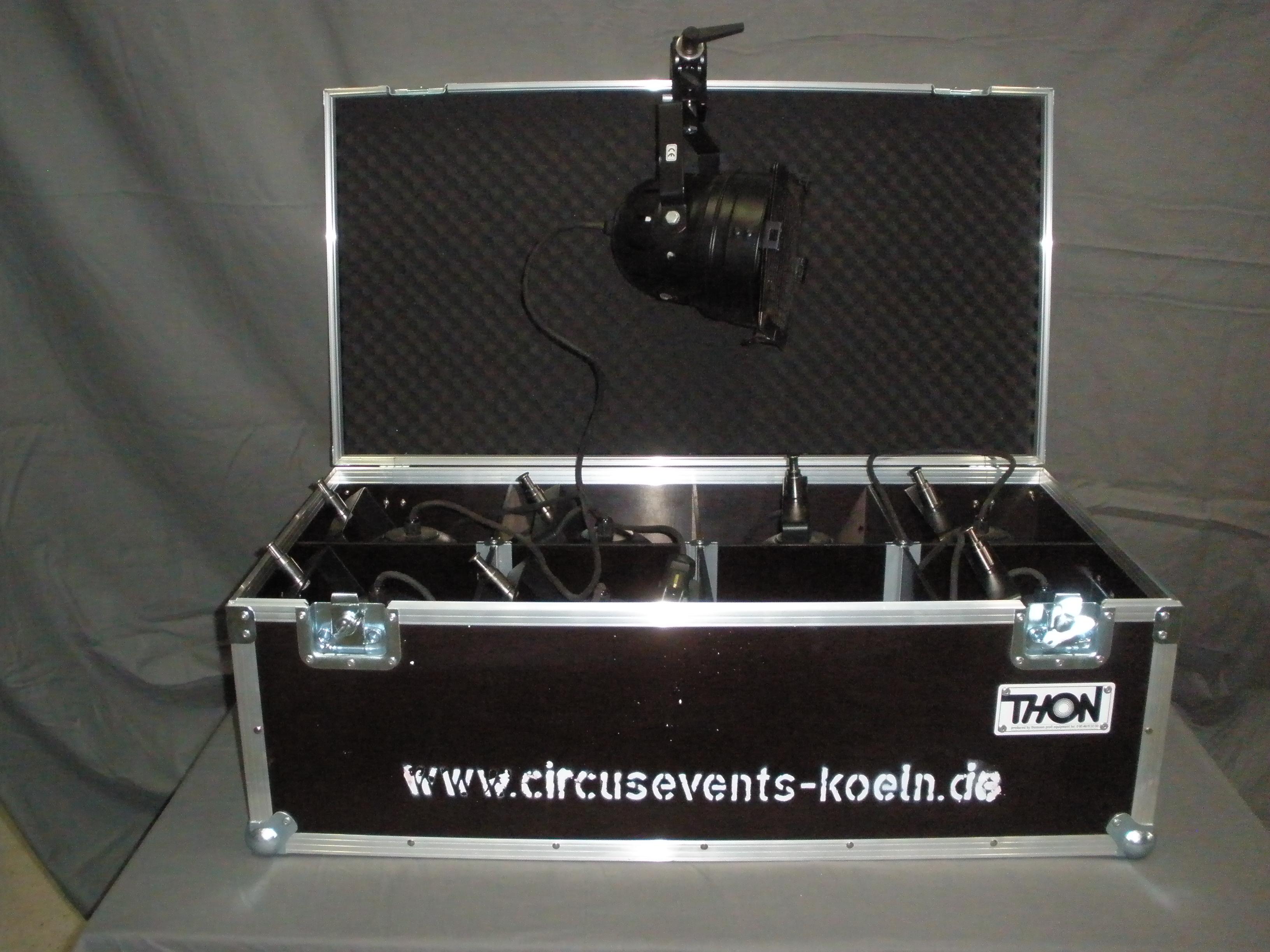 PAR 56 Spots Short/ Black Professioneller PAR 56 Spot, mit Floorstand bzw. Manfrotto Clamp Stromanschluss 230 V. 300W