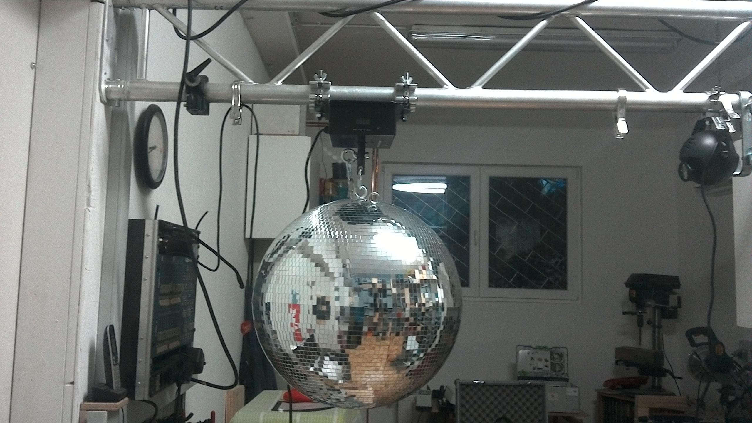 Spiegelkugel_50cm_circusevents_koeln_1