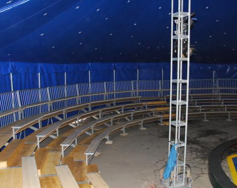 Zirkuszelt 18m rund 255 qm zirkuszelte mit for Innendesign schule